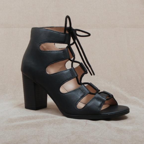 88d13e3095f Black Gladiator Lace Up Block Heel Sandal Yohan